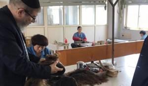 משגיח הכשרות, במפעל בסין