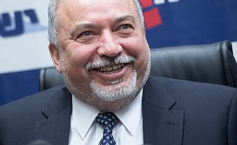 שר הביטחון אביגדור ליברמן - איווט: השתמטות בנוסח מועצת גדולי תורה