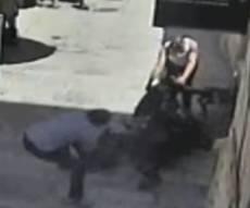 מלאכים מברוקלין: אברכים התנפלו על מחבל והצילו שוטר