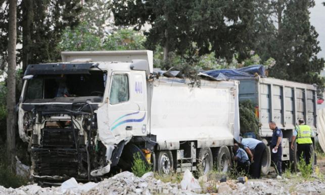 נהג משאית איבד שליטה ונהרג
