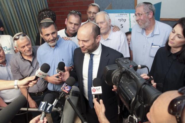נפתלי בנט נבחר שוב לראשות הבית היהודי