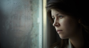 דיכאון. אילוסטרציה - דיכאון אחרי לידה לא מקנה אוטומטית משמורת לאב