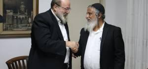 הרב ארנברגר ואבי הבחור