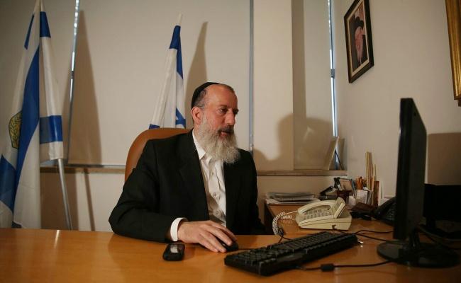יוסי דייטש בלשכתו - בלי פוליטיקה ארצית בי-ם // הרב ישראל גליס