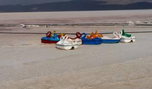 סירות בתוך נחל יבש, איראן