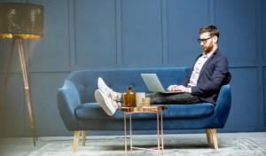 זהירות: ישיבה ממושכת מסכנת את בריאות המוח שלכם