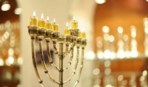 חנוכה בחצרות הקודש: החידושים - והזמנים
