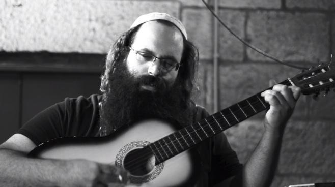 """יוסף גבאי בסינגל קליפ בכורה: """"שבת היום"""""""