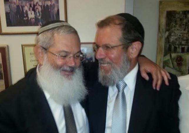 הרב קלמן בר עם סגן שר הדתות בן דהן