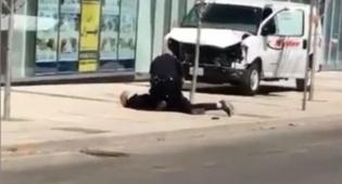 כך נעצר הנהג הדורס - דריסה בטורונטו: בן 25 דהר למדרכה, 10 נהרגו ו-15 נפצעו