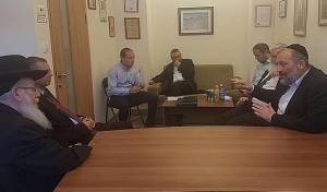 הפגישה עם השר יריב לוין - החרדים דרשו: שמירת שבת - בכל הארץ