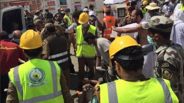 כוחות הביטחון וההצלה הסעודים בשטח. בסרטון, רגעי האימה עם קריסת המנוף בתחילת החודש