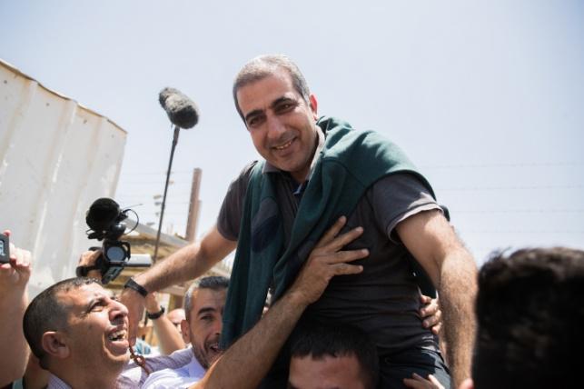 קטוסה בעת שחרורו מהמעצר