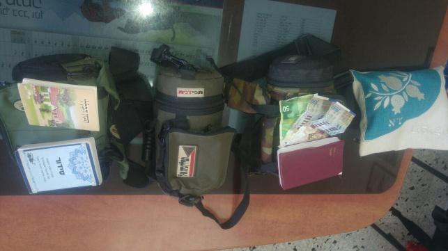המשטרה החזירה תפילין וטליתות שנגנבו
