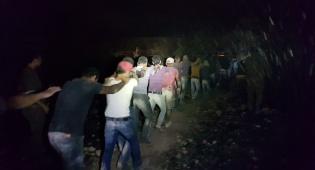 הפלסטינים בעת שנעצרו - אישום נגד 20 פלסטינים שגנבו תוצרת חקלאית