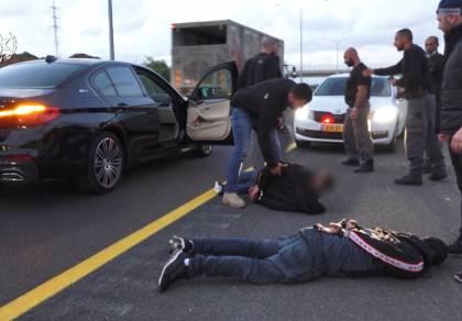 שני סוכנים סמויים, 60 חשודים נעצרו • צפו