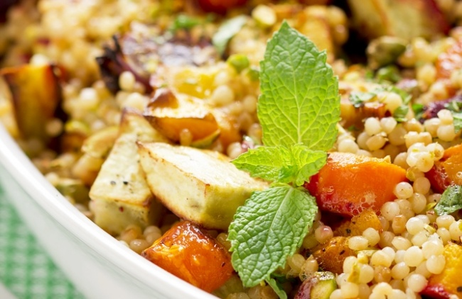 קוסקוס קיצי עם ירקות מאודים
