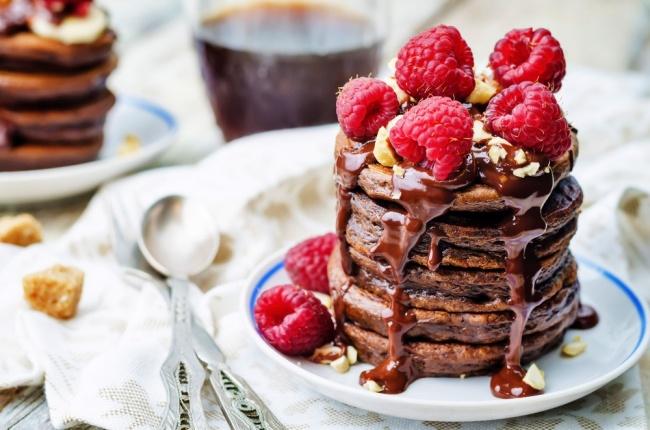 רוטב שוקולד עשיר לכל קינוח