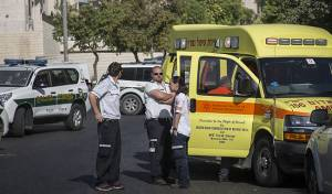 אילוסטרציה - ילדה נפלה מגובה 2 קומות ונפצעה קשה