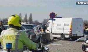 זירת האירוע - מחבל ניסה לבצע פיגוע דריסה באנטוורפן