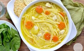 מרק עוף וספגטי מחמם וטעים - תוך חצי שעה על שולחנכם: מרק עוף וספגטי מחמם