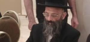 הרב ירחמיאל שניידר, שעה קלה לפני שהתמוטט