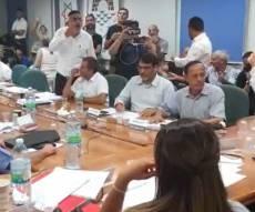 מהומה בטבריה: רון קובי נכשל שוב בהעברת תקציב העיר