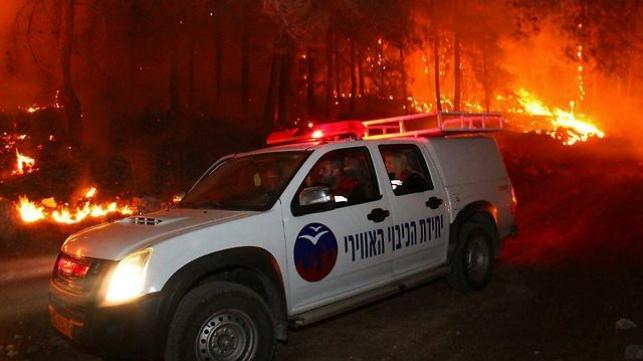 1,773 שריפות בשבוע, קרוב ל-2,000 כבאים