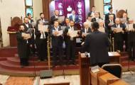 נתנאל אילובצקי ודניאל פינגולד והמקהלה מבצעים: א-ל מלך יושב
