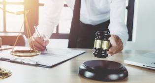 הליך גישור או בית משפט?  המומחים עונים