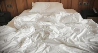 מיטה במלון. לא כל המצעים מוחלפים