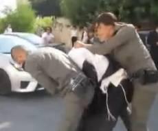 התיעוד שזיכה את החרדי - בזכות סרטון: חרדי זוכה מ'תקיפת שוטר'. צפו