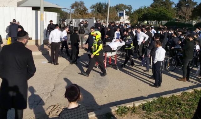 פינוי פצוע מזירת המהומות באשדוד
