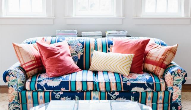 לא מעצבים את כריות הספה בלי חוק ה-2:2:1