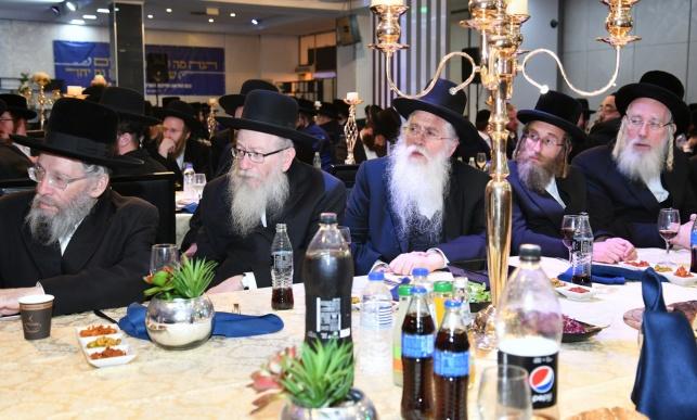 בכנס 'אגודת ישראל' - מתקפה נגד גנץ ולפיד
