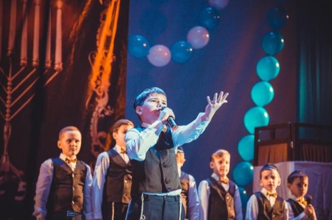 מקהלת הילדים 'אור אבנר' בביצוע ברוסית