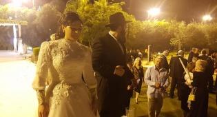 """""""הרב מהפייסבוק"""": הרב איתן בגדדי התחתן"""