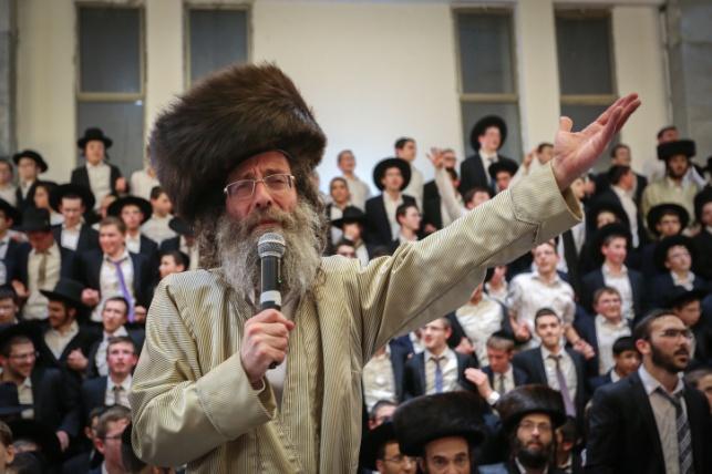 אלפי תלמידי ישיבות מביתר, במירון עם ר' אלימלך בידרמן