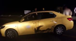 הרכב לאחר שנעצר - נהג ללא רישיון נהיגה, נמלט וניגח ניידת