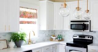 מדריך: 8 דרכים קלות לגרום למטבח קטן להרגיש גדול