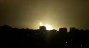 """תקיפה בעזה. ארכיון - התגובה: צה""""ל תקף מחנה צבאי של חמאס"""