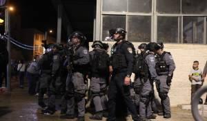 מהומות במזרח ירושלים: שוטרים הותקפו
