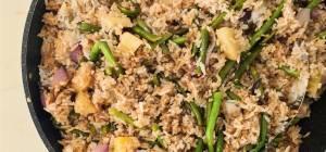 אורז מוקפץ עם פטריות ברוטב סויה, שום וטריאקי