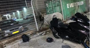 האופנוע בתחנת המשטרה