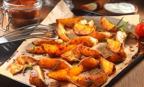 תפוחי אדמה בתנור עם תיבול פיקנטי