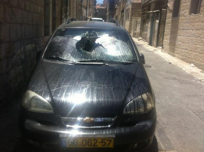 """זירת המומה בשכונת בית ישראל - רכב של נשים """"לא צנועות"""" הותקף"""