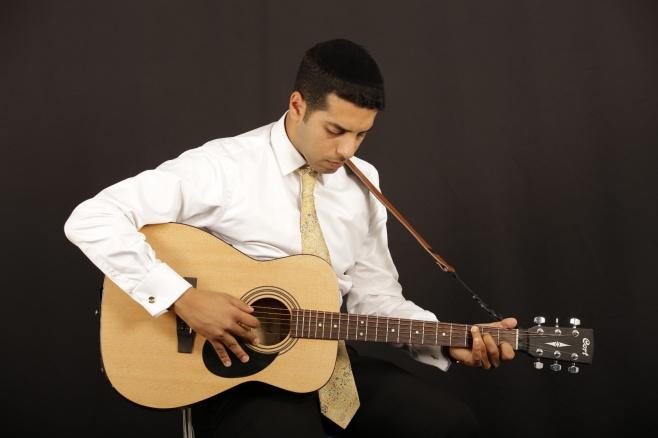 """מאיר מסוארי בסינגל חדש: """"ותחזינה עינינו"""""""