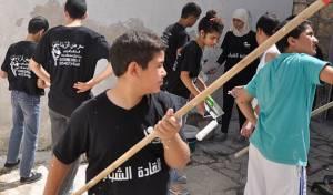 הנערים משפצים את בית הכנסת