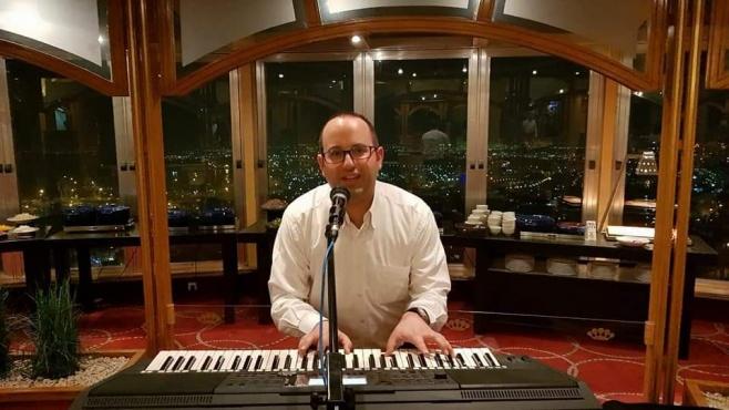 מאיר בן דרור בסינגל בכורה: והיא שעמדה