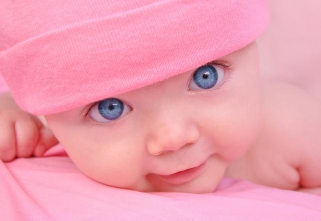 חוקרים מצאו: כך התינוק רואה אתכם בימים הראשונים